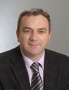 Dr. Almir Fatić