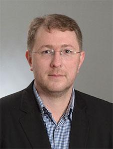 Dr. Kenan Musić